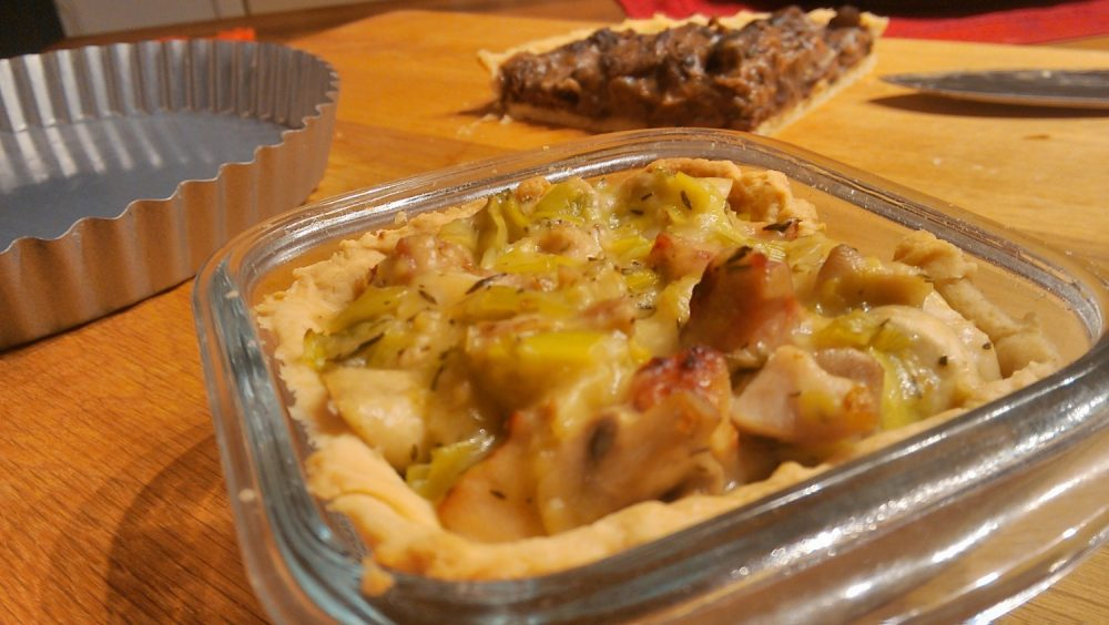 Chicken, leek and bacon pie
