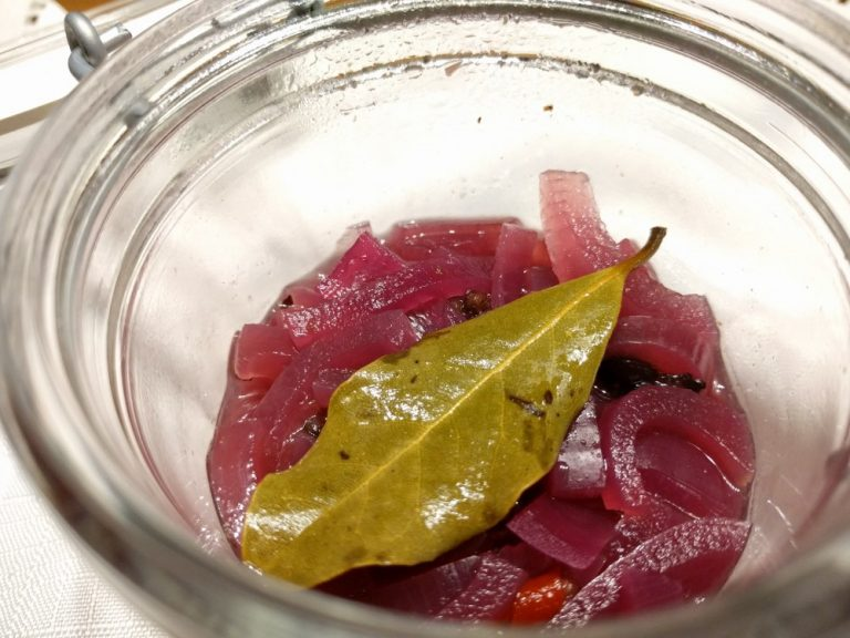 Mexican pickled onion a quick and easy recipe.
