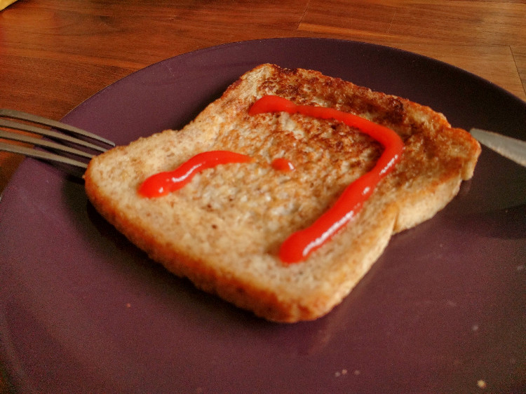 french toast with tomato ketchup