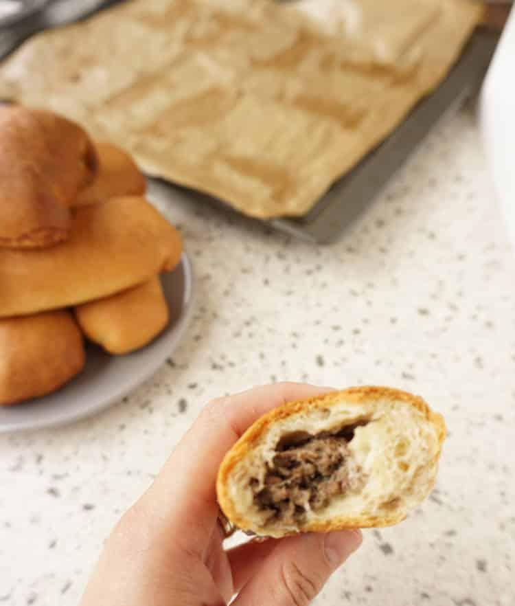 freshly baked worstenbroodje