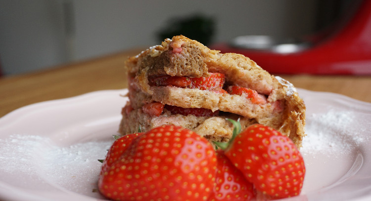French Toast: Oven vs. Pan & A recipe with strawberrries