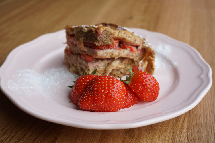 oven baked french toast with strawberries