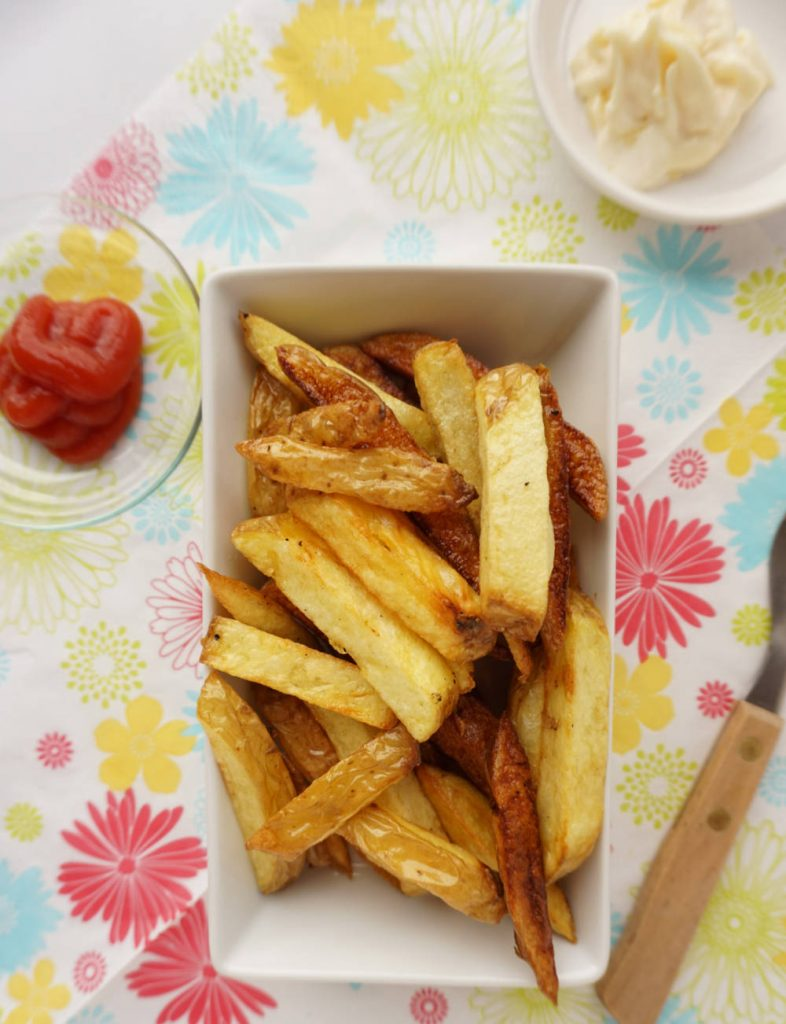 fried potatoes - brown and light ones