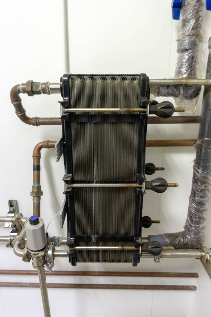heat exchanger for cooling milk